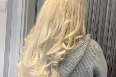 pitkat-hiukset-kiharat